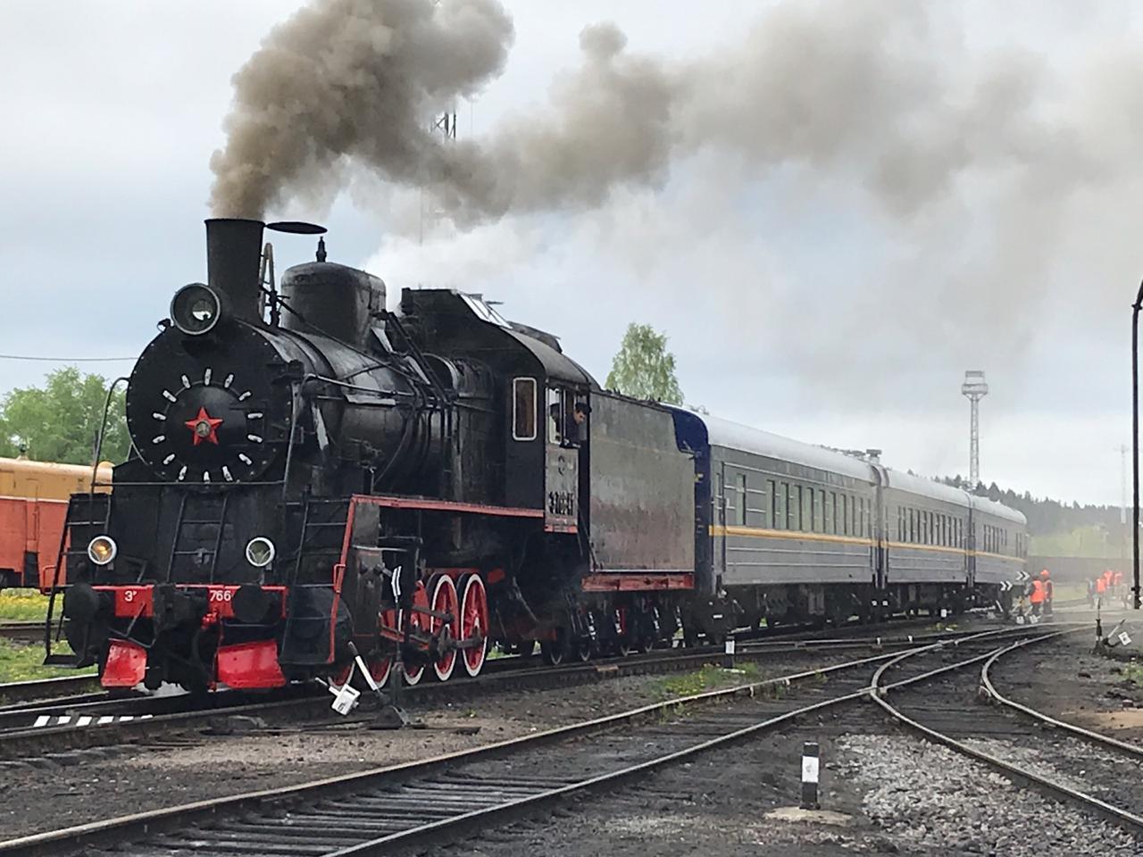 Рускеальский ретропоезд