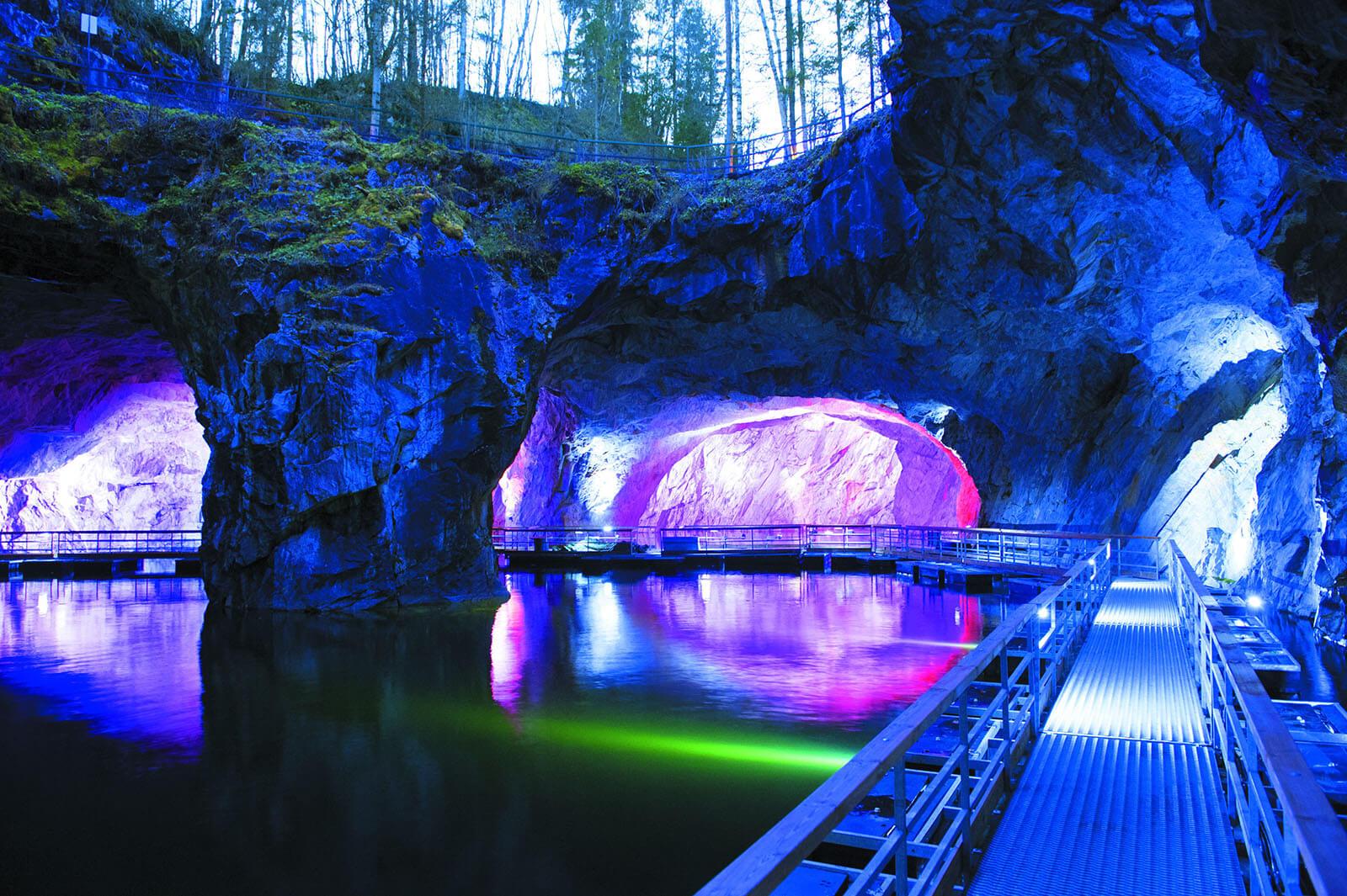 Подземная Рускеала, подсветка