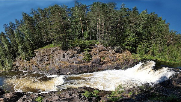 Водопад Кивач в одноименном заповеднике