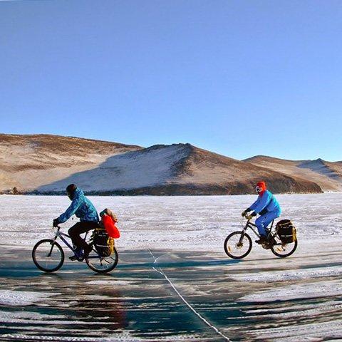 На великах по льду Байкала