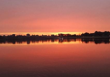 Закат на реке Ока