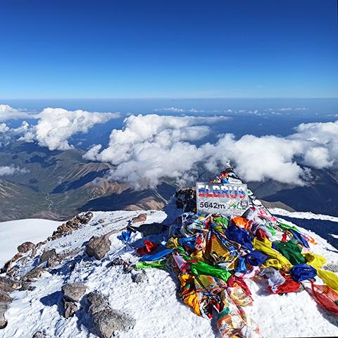 Восхождение на Эльбрус с севера, вид с вершины
