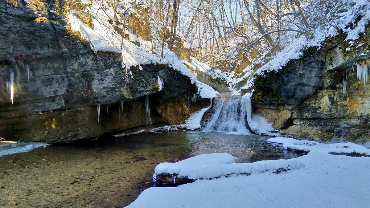 Зимой ущелье реки Мишоко не менее прекрасно чем летом