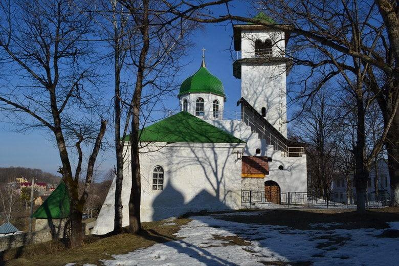 Свято-Троицкий Храм на территории монастыря